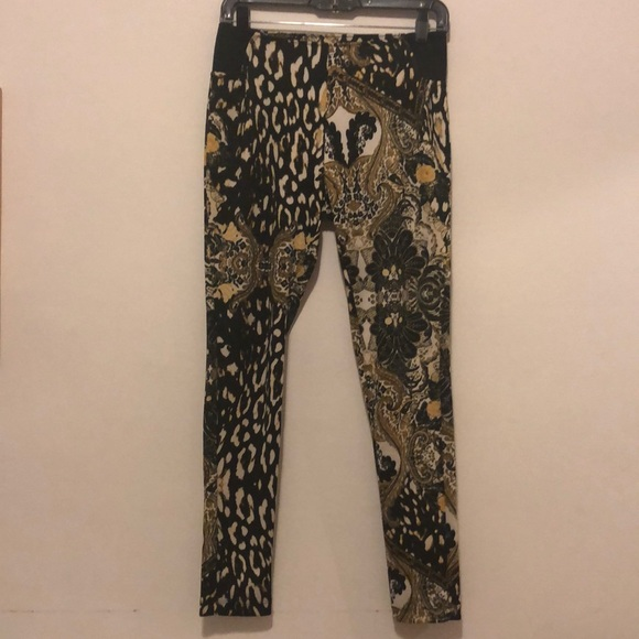 43ca53478294c NICKI MINAJ Versace inspired leggings. M_5c57812f1b329420f90b40b4